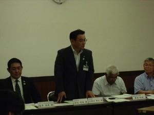左から 岩澤補佐官、静岡副市長、 市議